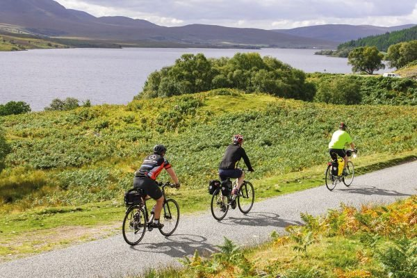 Cycle Touring in Northern Scotland 9781786310026 Mike Wells Cicerone Press   Fietsgidsen Schotland