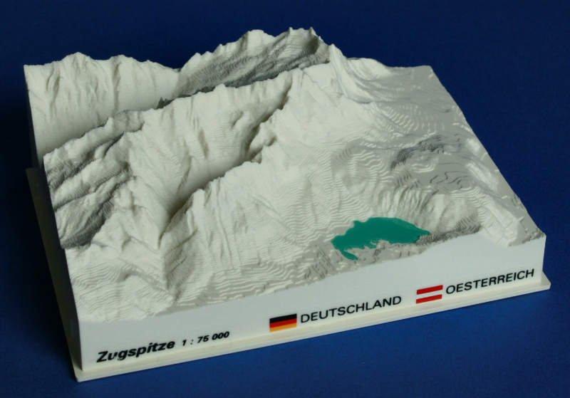 Zugspitze - reliëfmaquette op schaal 1:75.000 ZUGSPITZE  Reliorama   Wandkaarten Beierse Alpen en München