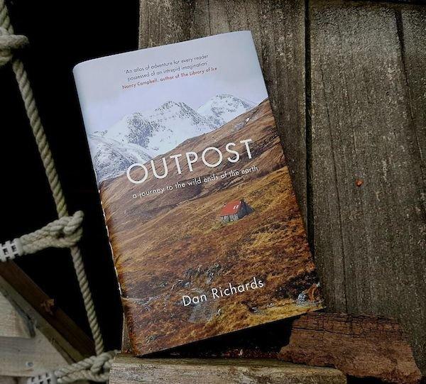 Outpost | Dan Richards 9781786891556 Dan Richards Canongatepress   Reisverhalen Wereld als geheel