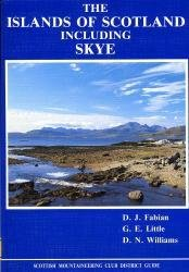 The Islands of Scotland  (including Skye) 9780907521235  Scottish Mountain. Club   Reisgidsen Schotland