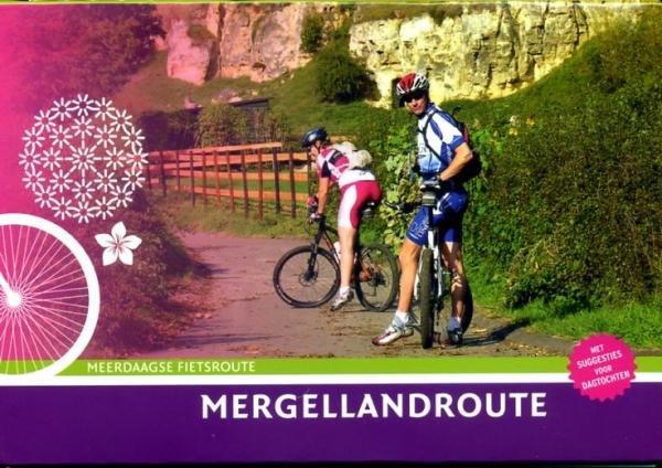 Mergellandroute 9789058814081 Diederik Mönch Buijten & Schipperheijn meerdaagse fietsroutes (NL)  Fietsgidsen, Meerdaagse fietsvakanties Maastricht en Zuid-Limburg