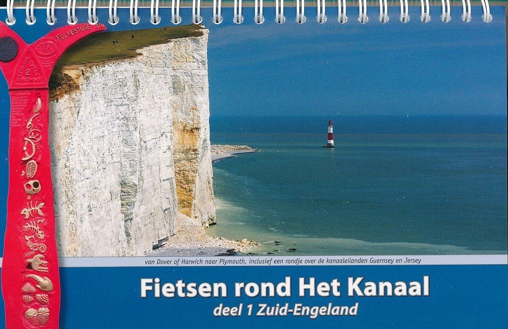 Fietsen rond Het Kanaal, Deel 1 Zuid Engeland 9789077056332 Kees Swart ReCreatief Fietsen   Fietsgidsen, Meerdaagse fietsvakanties Groot-Brittannië