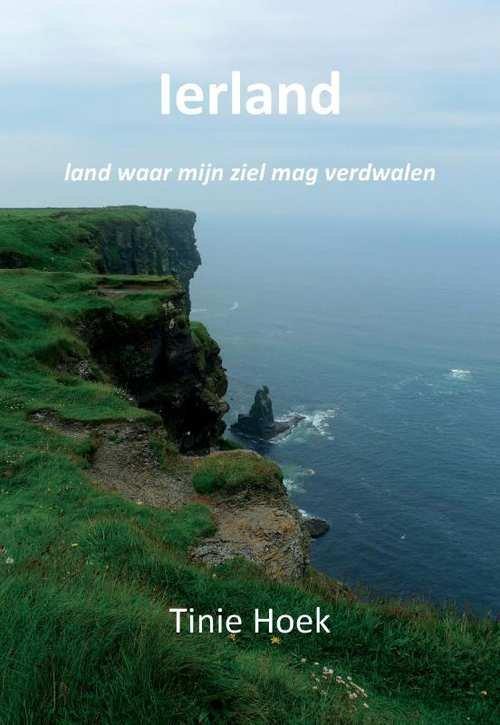 Ierland | Tinie Hoek 9789082316124 Tinie Hoek Andromeda   Reisgidsen Ierland
