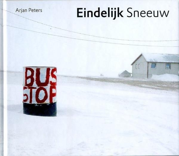 Eindelijk Sneeuw 9789089670946 Arjan Peters Hoogland & Van Klaveren   Wintersport Reisinformatie algemeen