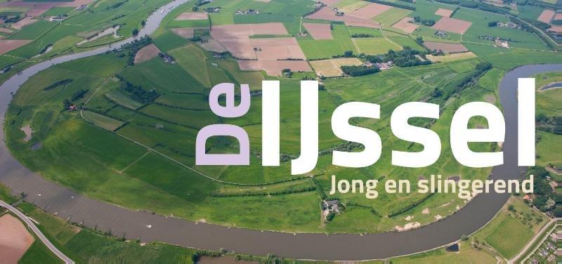 De IJssel - Jong en slingerend 9789462620599 Koos Termorshuizen Waanders   Fotoboeken Gelderse IJssel en Achterhoek